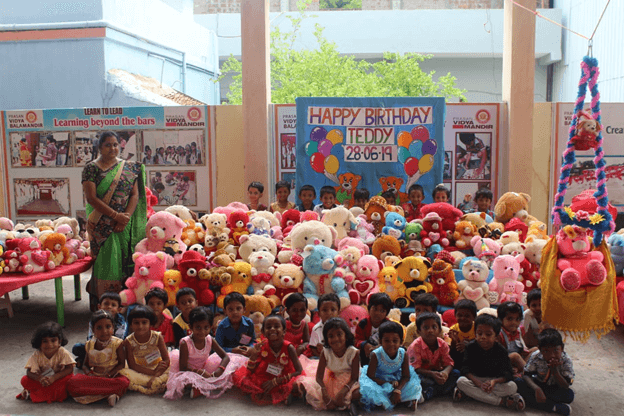 Happiness overloaded with Cute Teddies…
