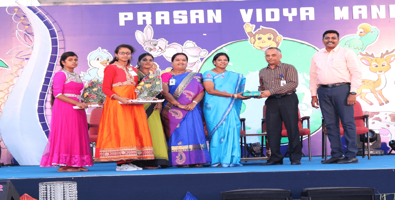 The Chief Guest Smt. Suganthi Medasani, Principal of Mahindra World School was honoured by respected correspondent sir.