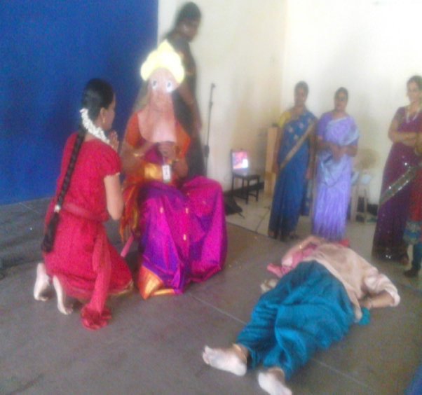 The day was memorable for the kids as to amuse them. The teachers performed with the skit.