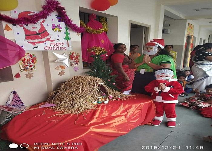 Ho..Ho..Ho... Our Santa wishes Merry christmas to all...